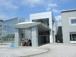 県産業技術センター外観