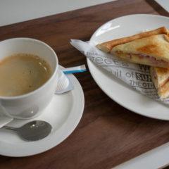 ホットサンドとコーヒーのセット