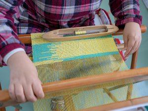 さおり織り作業